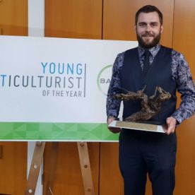 Simon Wins National Young Viticulturist of the Year 2019